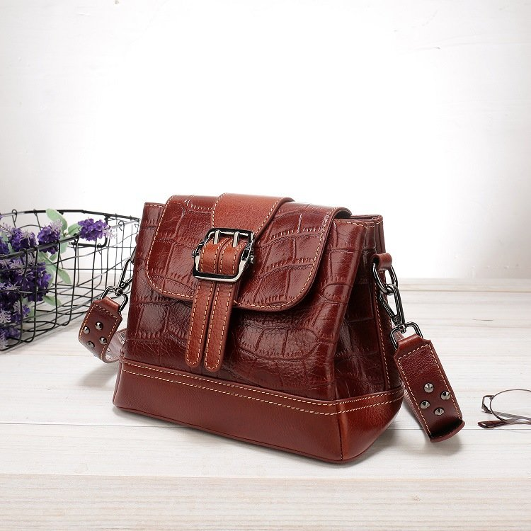 Women's leather handbag, cowhide fashion trend messenger bag. A649-1-9