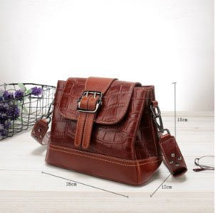 Women's leather handbag, cowhide fashion trend messenger bag. A649-sizes